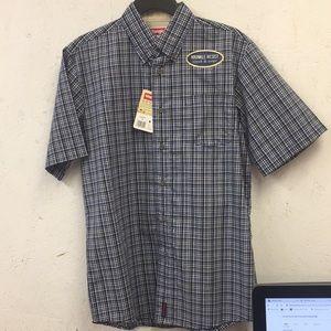 Wrangler Wrinkle Resistant Men's Shirt - Small